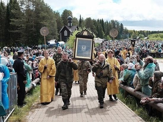 55 тысяч верующих приняли участие в Божественной литургии в Великорецком
