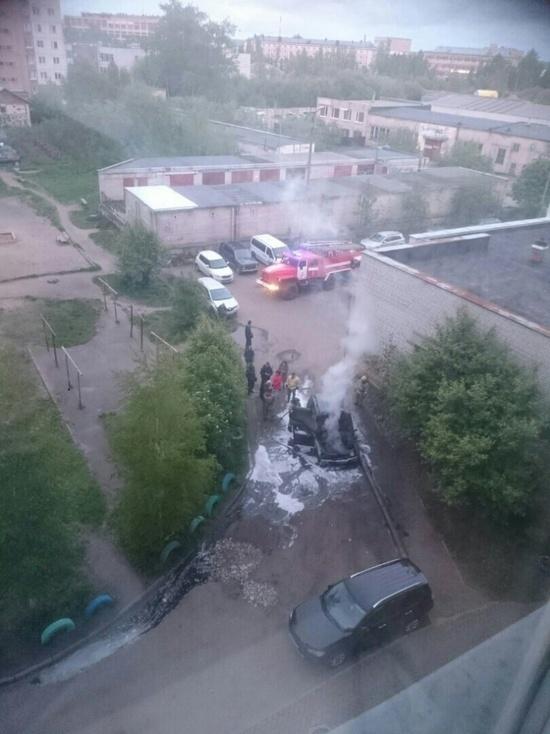 Прошедшей ночью в Архангельске сожгли ещё одну «Ниву Шевроле»