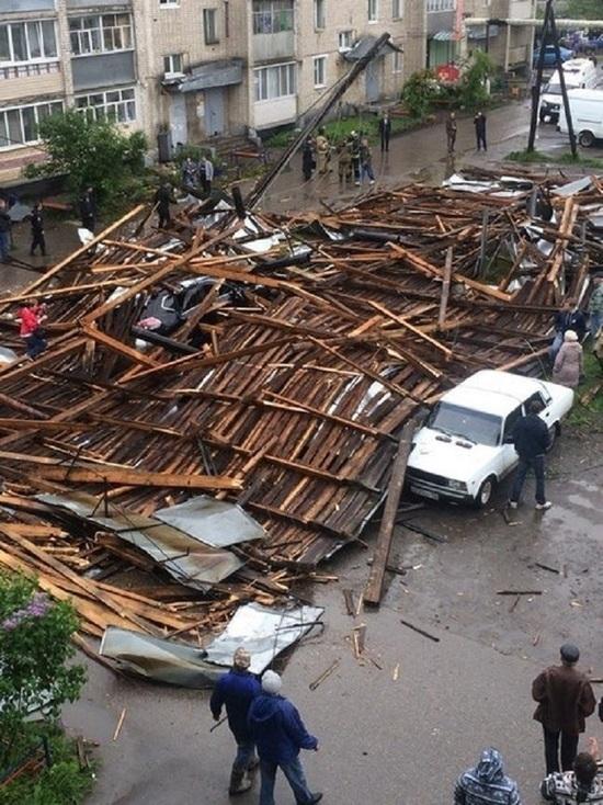 Ветер сорвал крышу с пятиэтажного дома в Шахунье