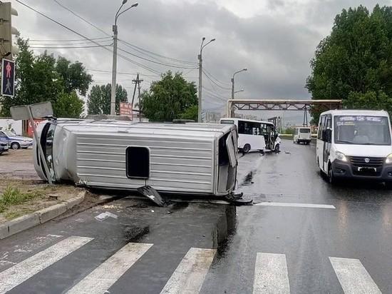 В Тольятти перевернулась маршрутка, пострадали семь человек