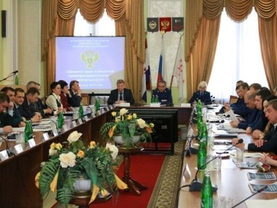 В Мордовии работникам фирмы начисляли зарплату меньше МРОТ