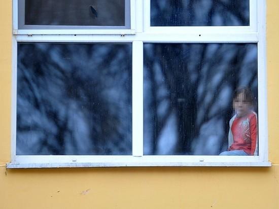 Прокуратура выяснила, что оконные блоки создают угрозу учащимся Тверской области