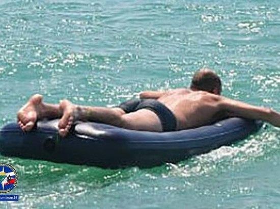 21-летний парень плавал на матрасе, уснул и едва не утонул