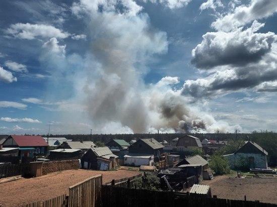 В Бурятии горел лес рядом с поселком