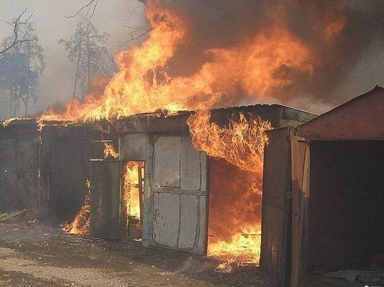 В Ульяновской области сгорели  шесть гаражей и один автомобиль