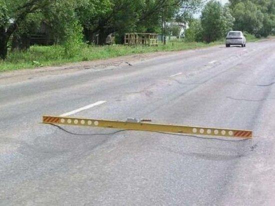 В Чапаевске на дороге обнаружились колеи до 7 см глубиной
