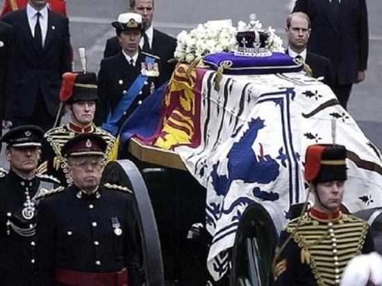 В Холмогорах нет своей похоронной службы – закапывают частники