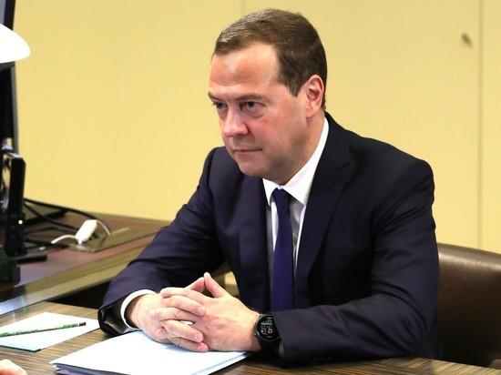 «Преемником Путина в 2024 году станет Медведев»