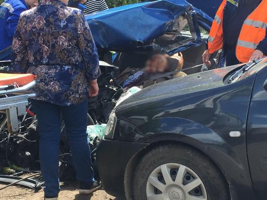 Появились подробности крупной аварии с микроавтобусом под Тверью