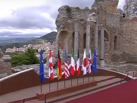 Меркель: условий для возвращения России в G8 пока нет