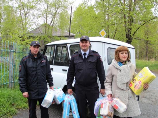 Свердловские полицейские собрали средства для ребенка с тяжелым заболеванием