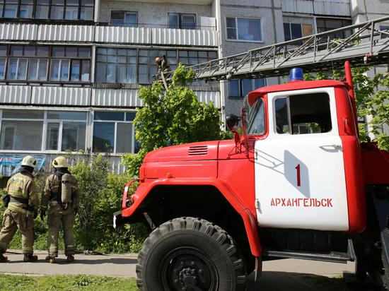 На Поморской в центре Архангельска горела девятиэтажка