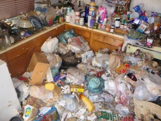 В Орске, чтобы соседи убрали мусор из своей квартиры, потребовалось судебное решение