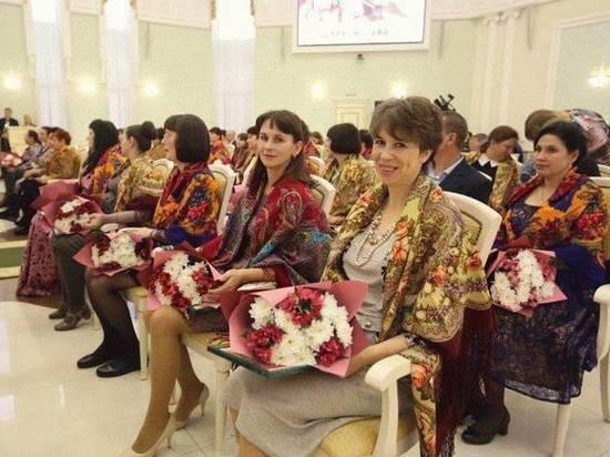 Почетными дипломами награждены 500 многодетных матерей Мордовии