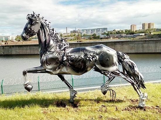 На Нижнекамской ГЭС появился конь Терминатор