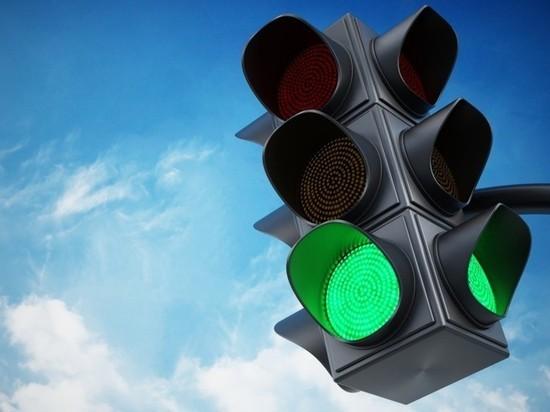 В Самаре на пересечении Московского шоссе и улицы Луначарского на сутки отключат светофоры