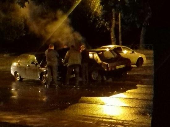 В Самаре ночью на улице Ново-Вокзальной столкнулись два автомобиля