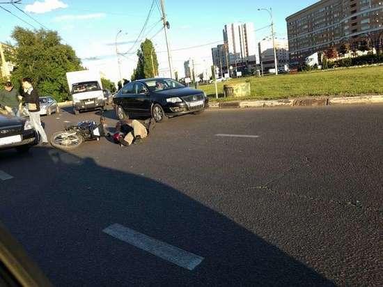 В Липецке на кольце сбили мотоциклиста