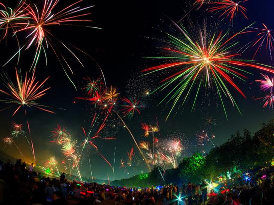 В Самаре в 22.00 начнется парад фейерверков