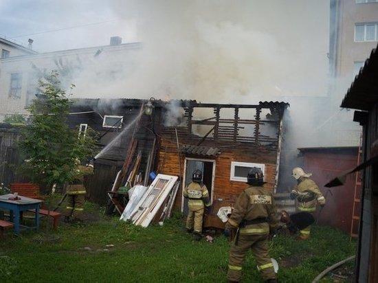 В Сызрани сгорел сарай на улице Кирова