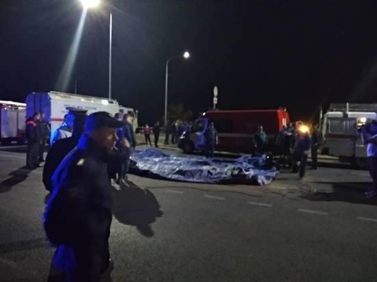 СМИ: после ЧП с катамараном на Волге спасли пять человек