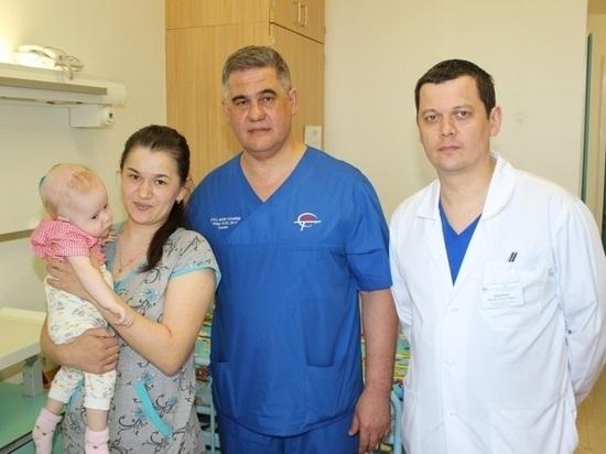 Тюменский нейрохирург спас девятимесячную девочку из Татарстана