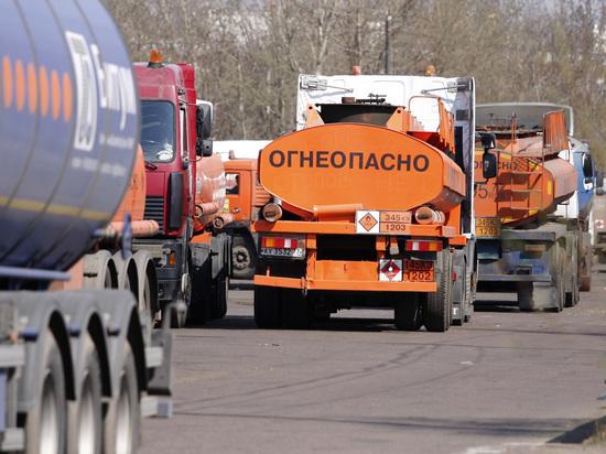 Крым пожаловался на дорогой бензин, попросил Россию о прямых поставках