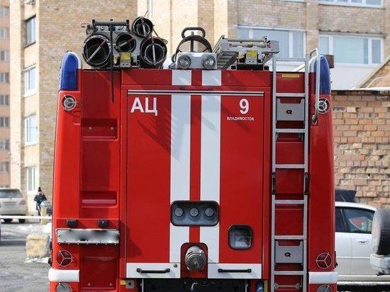 Лифт и лифтовая шахта загорелись во владивостокской многоэтажке