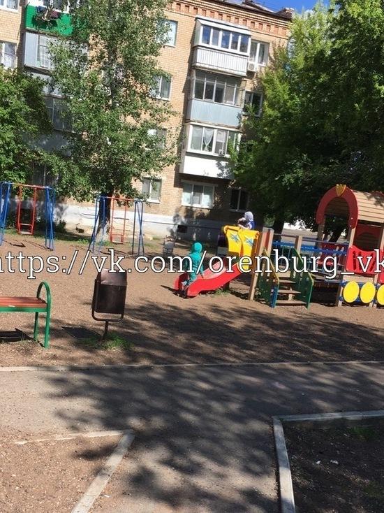 В Оренбурге неизвестные разрушили детскую площадку