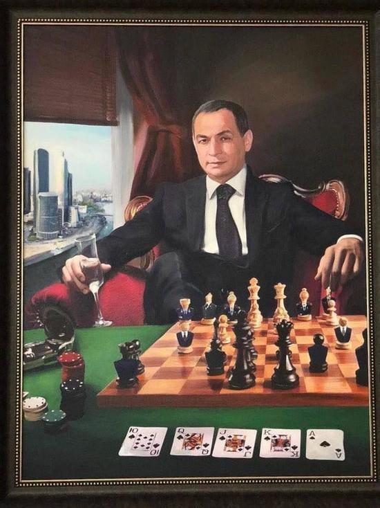 Портрет, найденный у задержанного главы Серпуховского района Шестуна, поразил