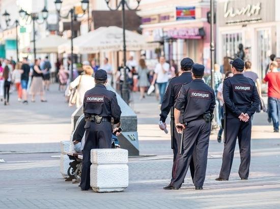 В Казани у напавшего на девушку мужчины нашли нож и маску