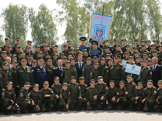 (6+) Детский военный лагерь «Гвардеец» открылся в Нижегородской области