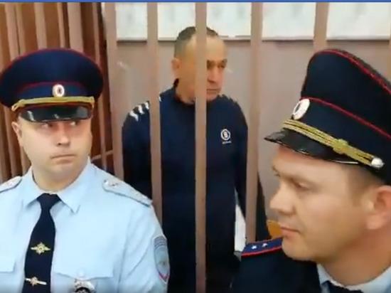 В Басманном суде в эти минуты определяют меру пресечения Александру Шестуну (обновлено)