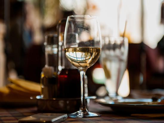 В Астрахани ограничат продажу спиртного на шесть дней