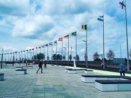 Возле «Самара Арены» подняли флаги стран-участниц ЧМ-2018