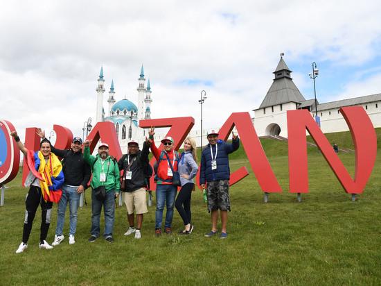 Перед ЧМ-2018 возле Казанского кремля из объемных букв составили слово KAZAN