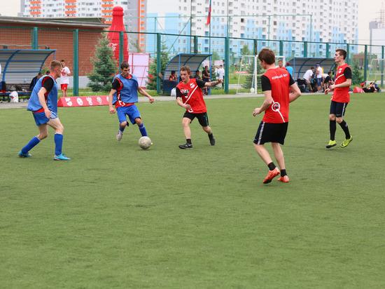 Инклюзивный футбольный матч состоялся в Новосибирске накануне ЧМ-2018