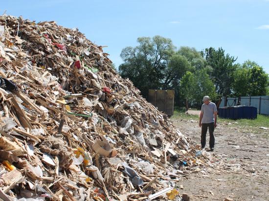 Не церемонясь: под Тулой на закрытой территории сжигали мусор из других регионов