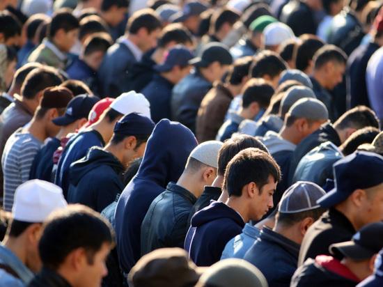 Мусульмане начали праздновать Ураза-байрам