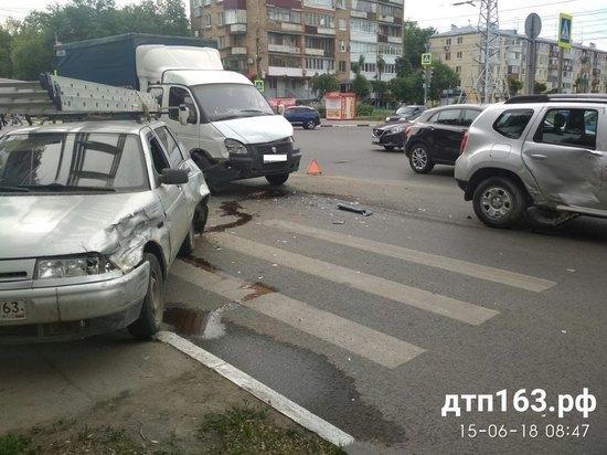 В Самаре произошло ДТП с участием трех авто