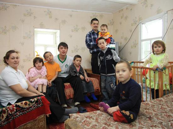 В Башкирии семьям с восемью детьми будут выплачивать по 600 тысяч