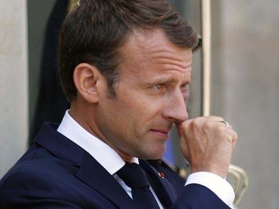 СМИ: Макрон намерен сделать французский основным языком Евросоюза