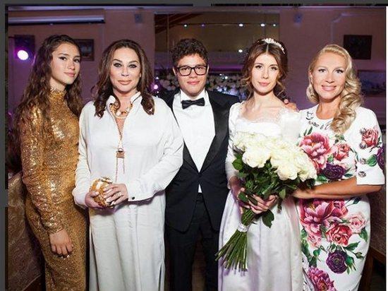Рублевская свадьба сына Немцова: блистали Явлинский и Рынска