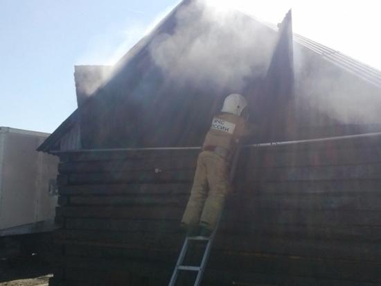 Пожар в Ясногорском районе тушили пятеро сотрудников МЧС