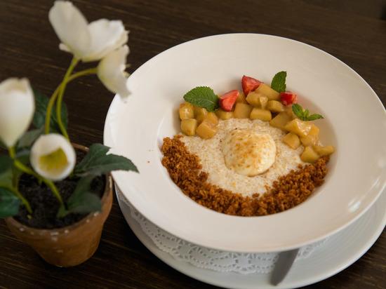 Иностранные туристы дегустриуют фирменные волгоградские блюда