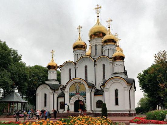 Повар для игумении: Кураев рассказал о вакансии с зарплатой 90 тысяч