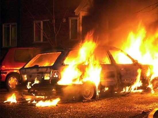 Ночью в Димитровграде горели две иномарки