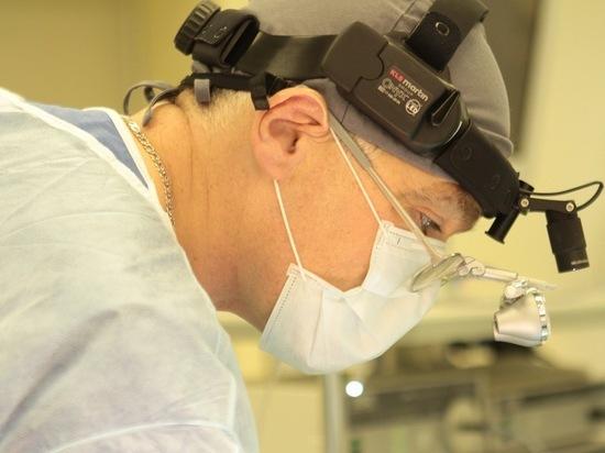 Московские хирурги вставили девушке в челюсть тазовую кость