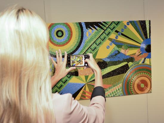 Современные художники дали необычную трактовку ЧМ