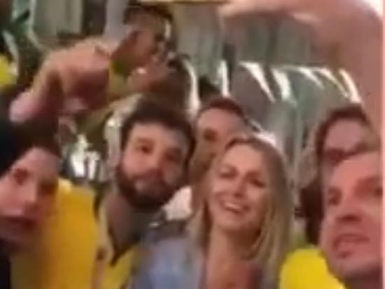 Полицейскому-фанату пригрозили в Бразилии увольнением за непристойное поведение в России